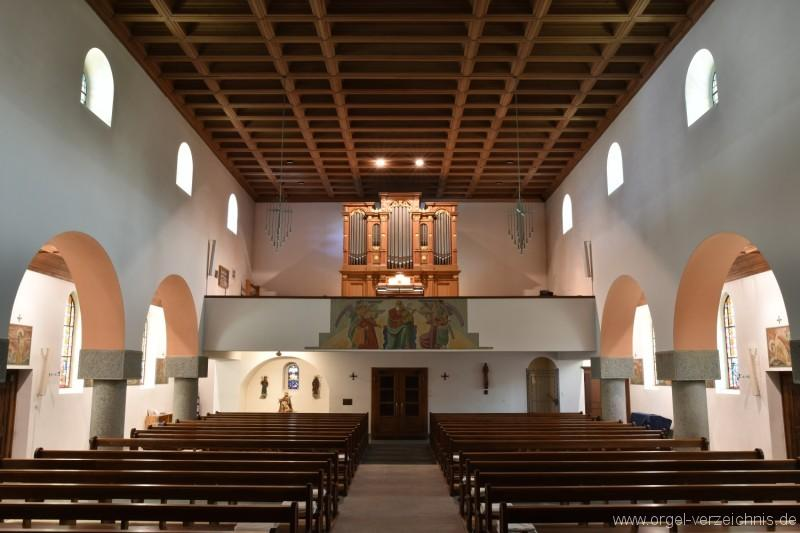 Emmetten St. Theresia und Jakob Orgelprospekt fern