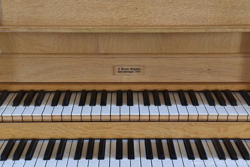 Hornussen - St. Mauritius Orgel Spieltisch