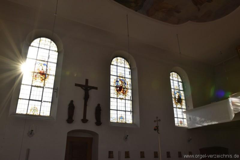 Hornussen St. Mauritius Fensterfront