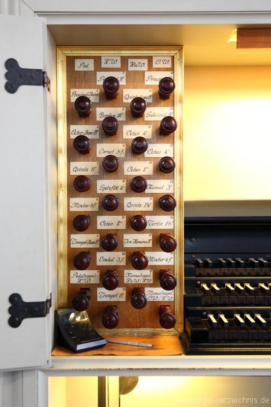 Marienkirche-Berlin-Mitte-Orgel-Spieltisch (3)