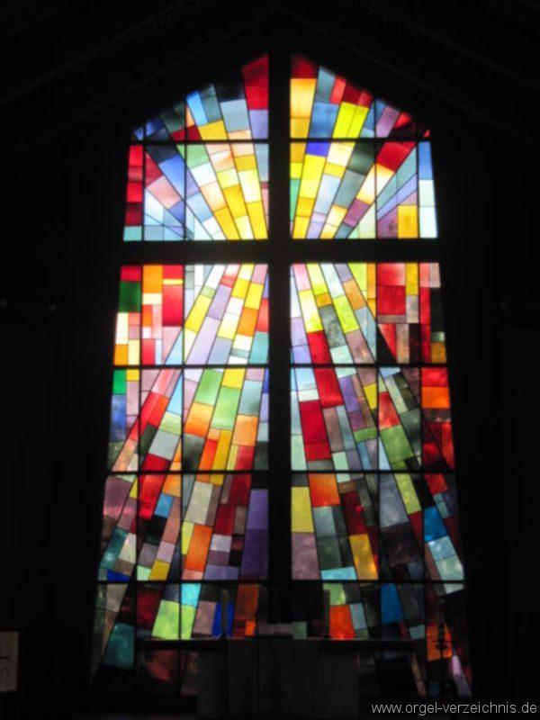 Berlin Wedding Himmelfahrtkirche Altarfenster