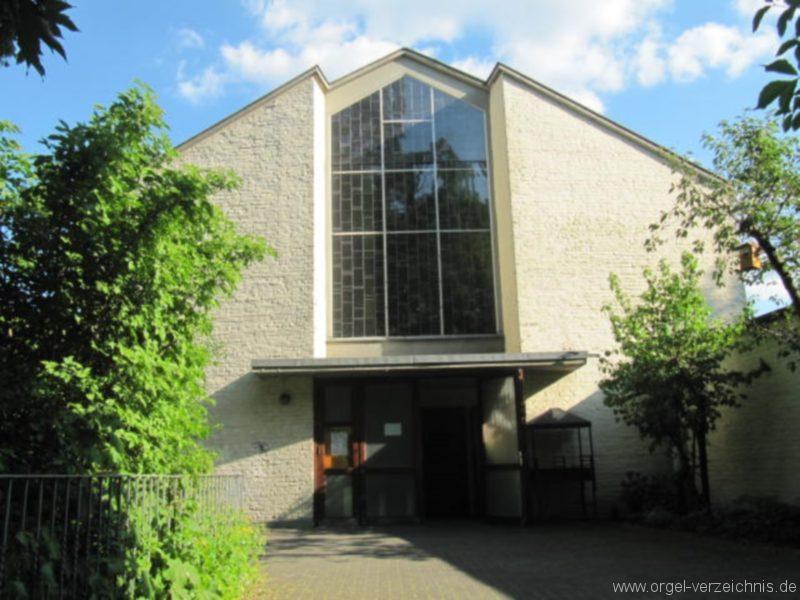 Berlin Wedding Himmelfahrtkirche Aussenansicht II