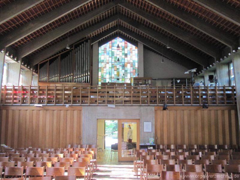 Berlin Wedding Himmelfahrtkirche Empore mit Orgelprospekt