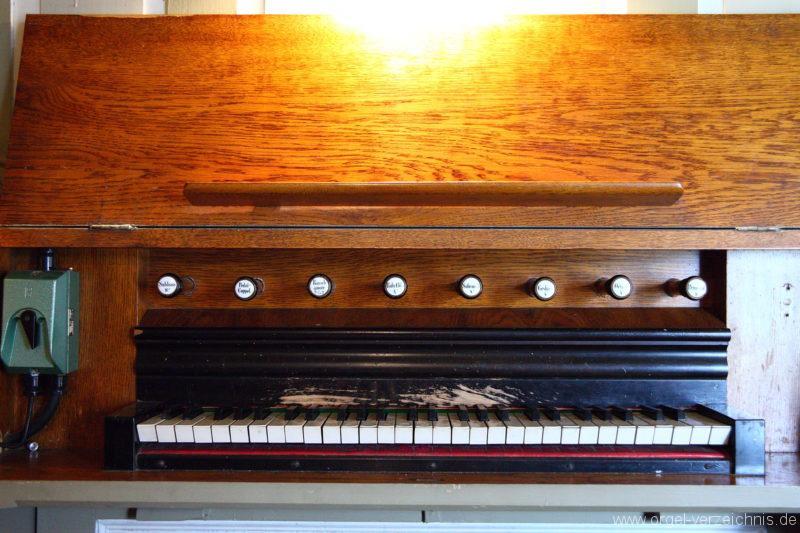 Herzberg ( Mark ) - Dorfkirche-Orgel-Spieltisch (1)