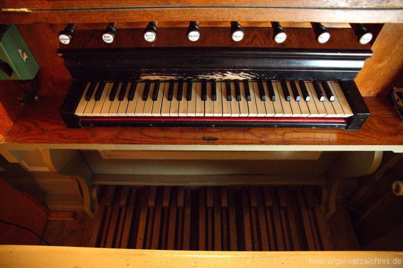 Herzberg ( Mark ) - Dorfkirche-Orgel-Spieltisch (6)