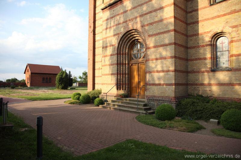 Langen - Fehrbellin - Stüler-Kirche Langen (78)