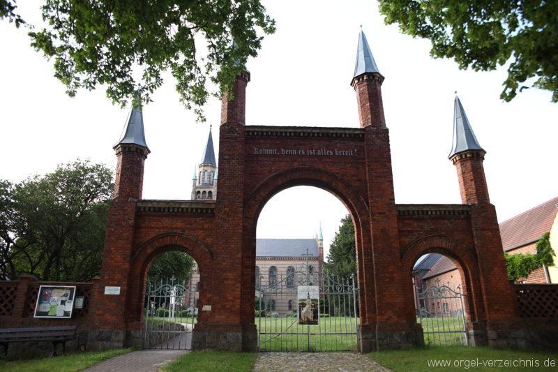 Langen - Fehrbellin - Stüler-Kirche Langen (84)