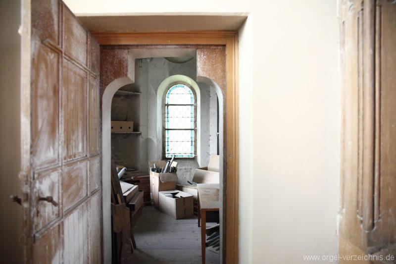 Langen - Fehrbellin - Stüler-Kirche Langen-Orgel-Reste-Pfeifen-Lager (5)