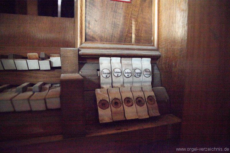 Langen - Fehrbellin - Stüler-Kirche Langen-Orgel-Spieltisch (1)