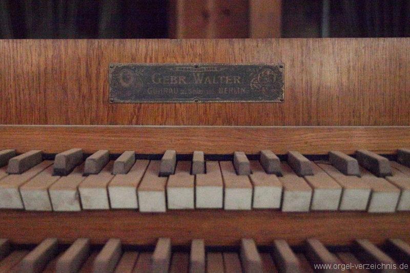 Langen - Fehrbellin - Stüler-Kirche Langen-Orgel-Spieltisch (4)