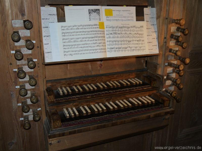 Maihingen ehemalige Klosterkirche Zur unbefleckten Empfängnis Orgelspieltisch Register (2)