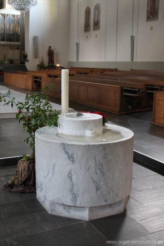 Dornbirn St. Martin Taufbecken II