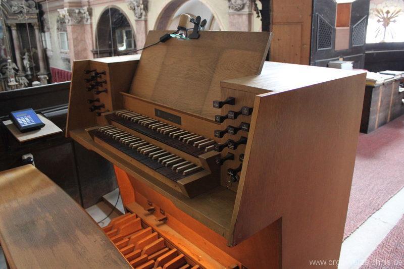 Wien - Weiden - Paulanerkirche Orgel Spieltisch 8