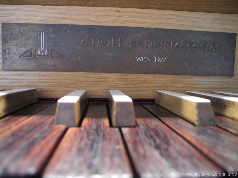 Wien - Weiden - Paulanerkirche Orgel Spieltisch Register Pedal (3)