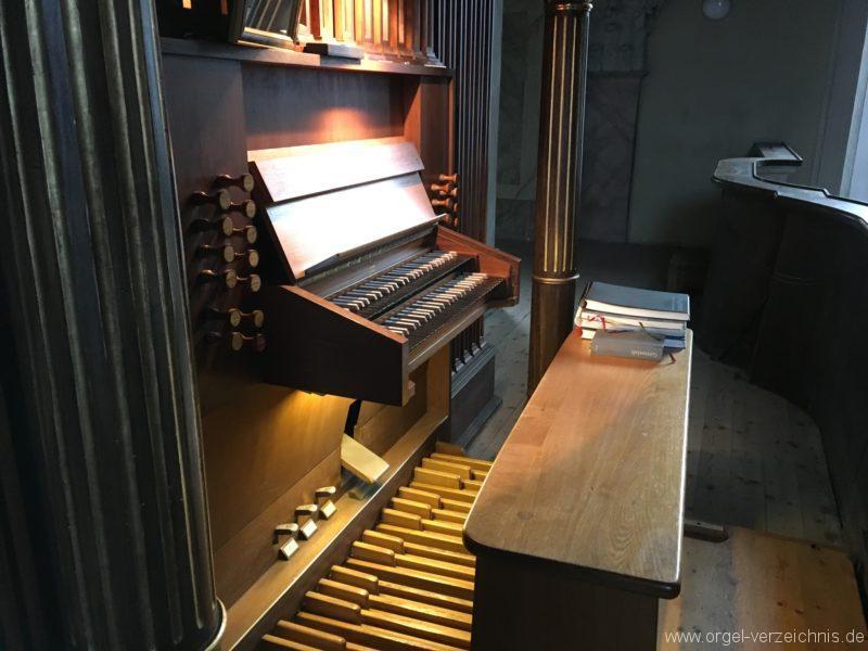 innsbruck-servitenkirche-zum-hl-josef-spieltisch-ii