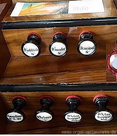 reiskirchen-evangelische-dorfkirche-111-orgel-spieltisch-6