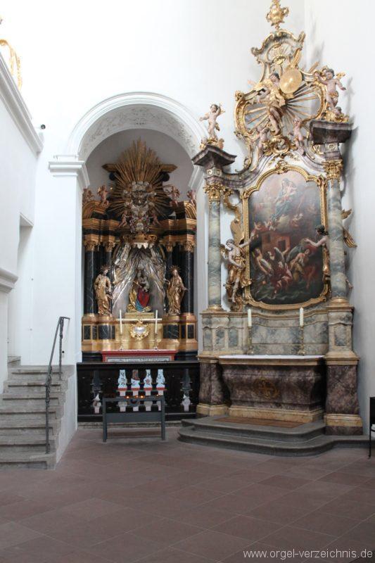 wuerzburg-neumuenster-kircheninneres-iv