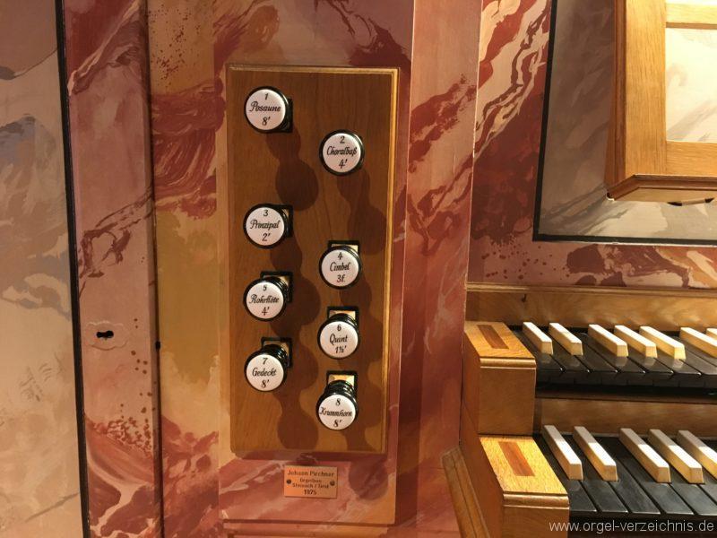 axams-pfarrkirche-st-johannes-der-taeufer-16-orgel-spieltisch