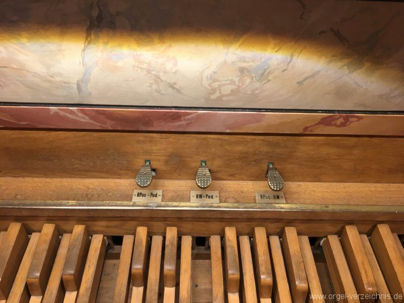 axams-pfarrkirche-st-johannes-der-taeufer-20-orgel-spieltisch