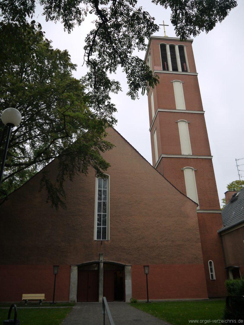 Berlin / Reinickendorf - Apostel Paulus Kirche Hermsdorf
