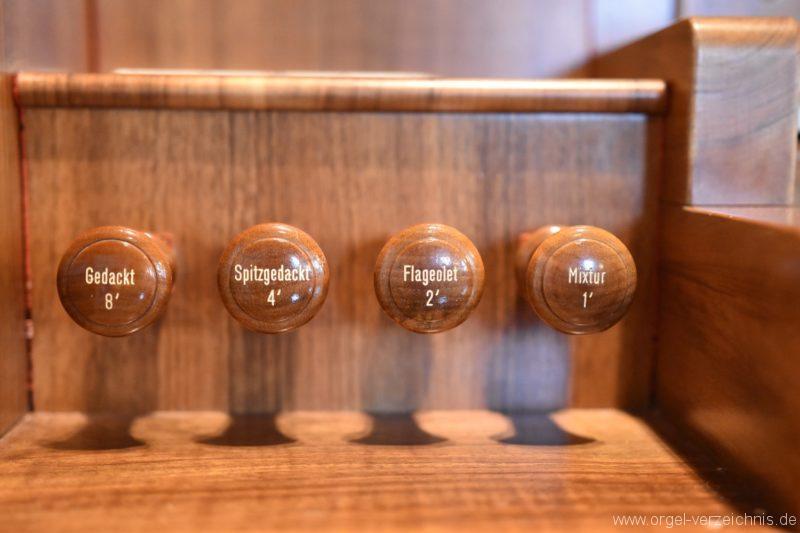 buchs-friedhofskirche-registerstaffel-links
