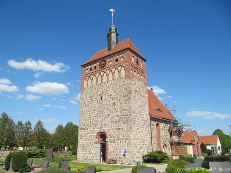 frankena-dorfkirche-st-pantaleon-aussenansicht-v