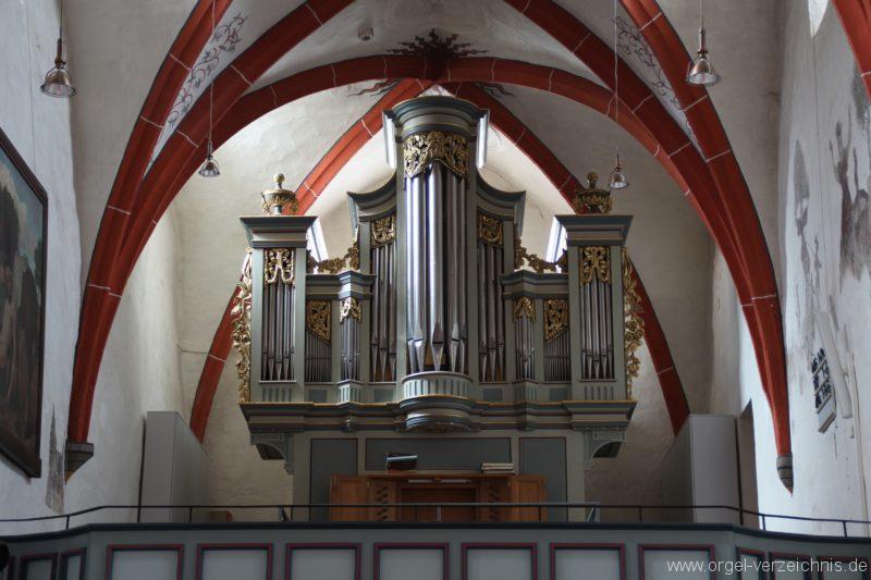 Schöler-Orgel vom Altarraum aus gesehen