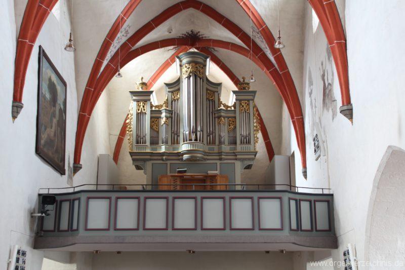 Orgelempore mit Schöler-Orgel
