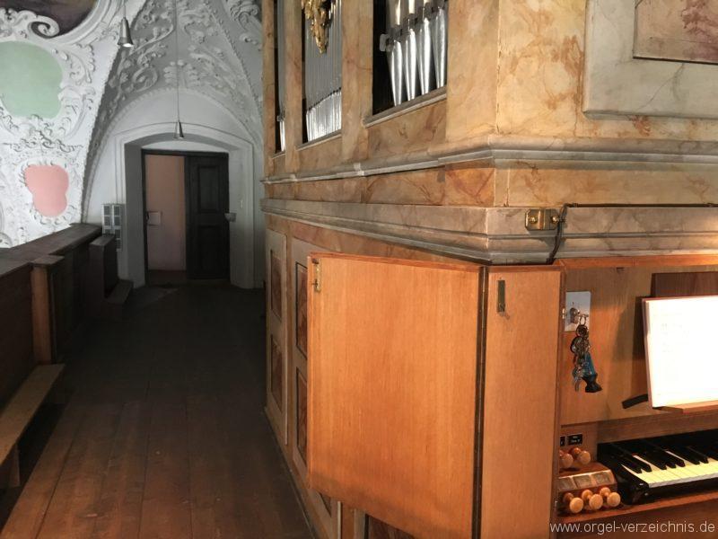 innsbruck-spitalskirche-zum-heiligen-geist-23-orgel-spieltisch