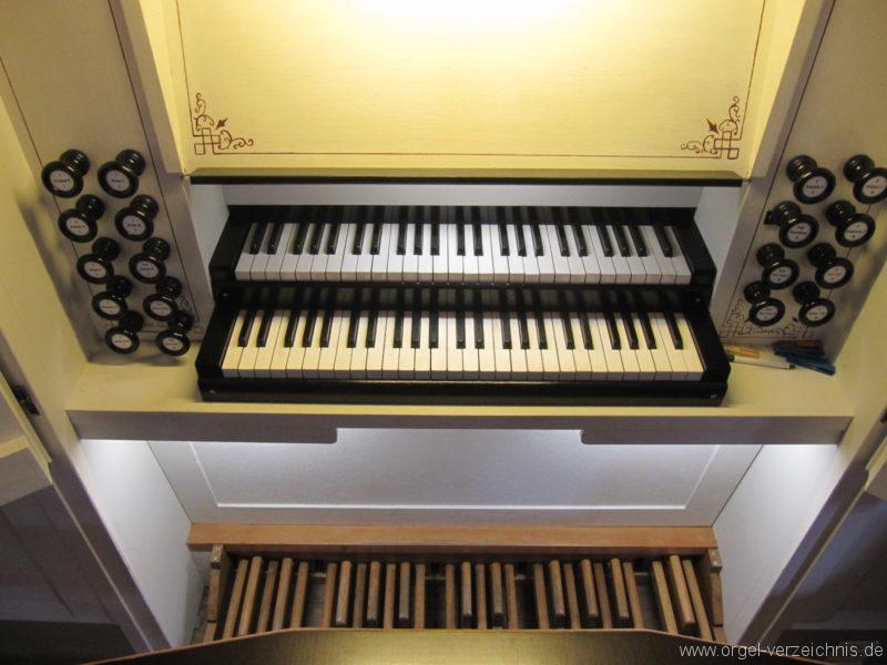 jonsdorf-kirche-orgelspieltisch-2