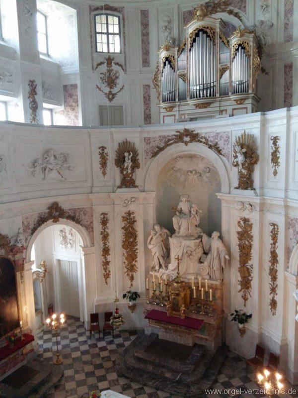 wermsdorf-schlosskapelle-hubertusburg-innenansicht-mit-prospekt