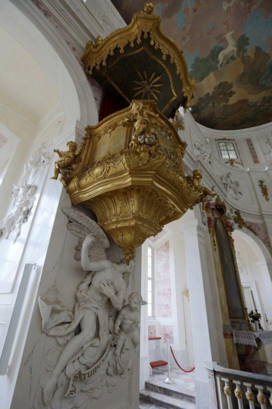 wermsdorf-schlosskapelle-hubertusburg-kanzel
