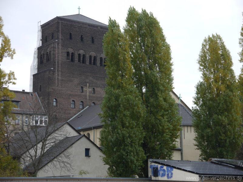 berlin-prenzlauer-berg-heilige-familie-aussenansicht-9