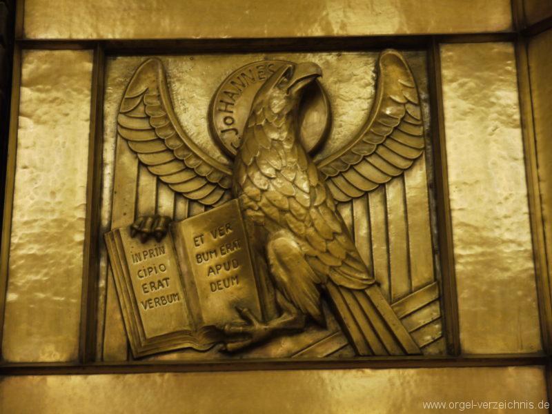 berlin-prenzlauer-berg-heilige-familie-bronzereliefs-7