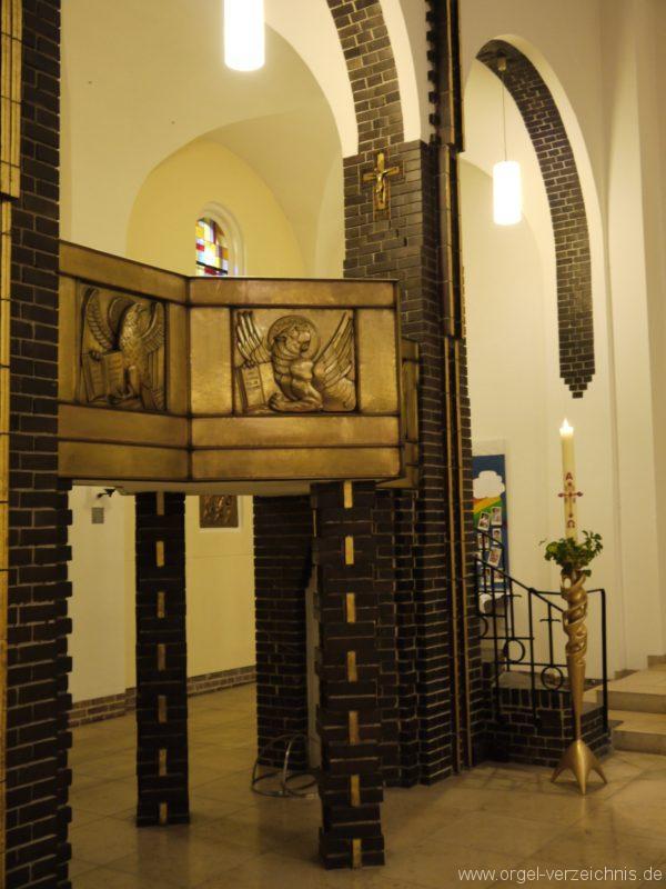 berlin-prenzlauer-berg-heilige-familie-innenansicht-24
