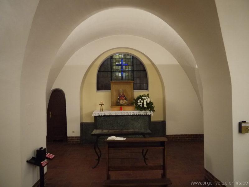 berlin-prenzlauer-berg-heilige-familie-kapelle-8