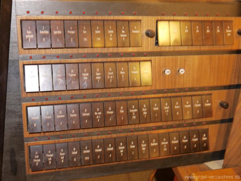 berlin-prenzlauer-berg-heilige-familie-registerstaffel-15