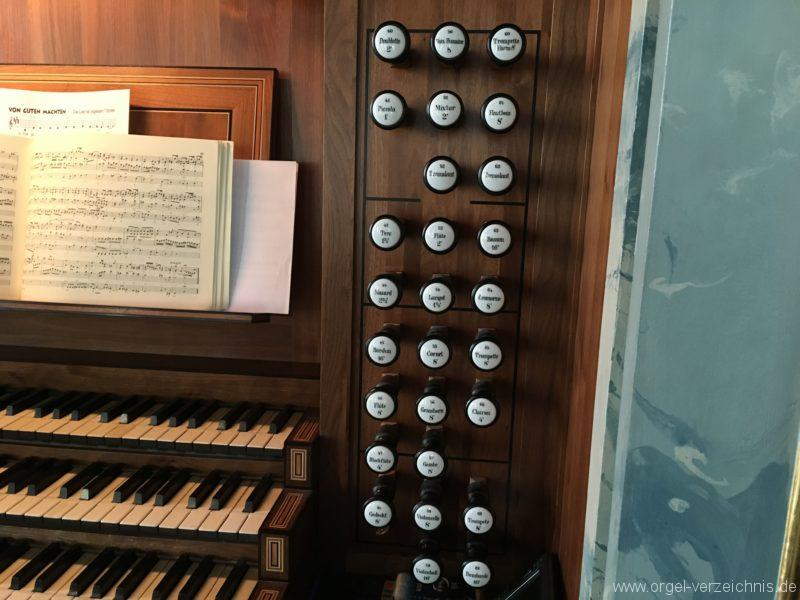 hall-in-tirol-stradtpfarrkirche-st-nikolaus-11-orgel-spieltisch