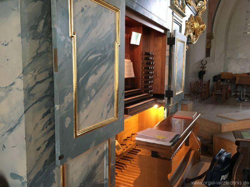 hall-in-tirol-stradtpfarrkirche-st-nikolaus-18-orgel-spieltisch