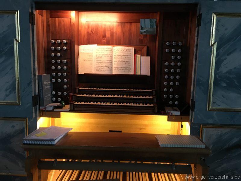 hall-in-tirol-stradtpfarrkirche-st-nikolaus-19-orgel-spieltisch