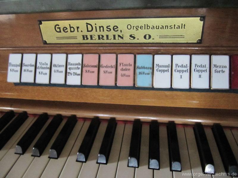 Gosen-Neu Zittau Evangelische Kirche Gosen Spieltisch und Registerstaffel (3)