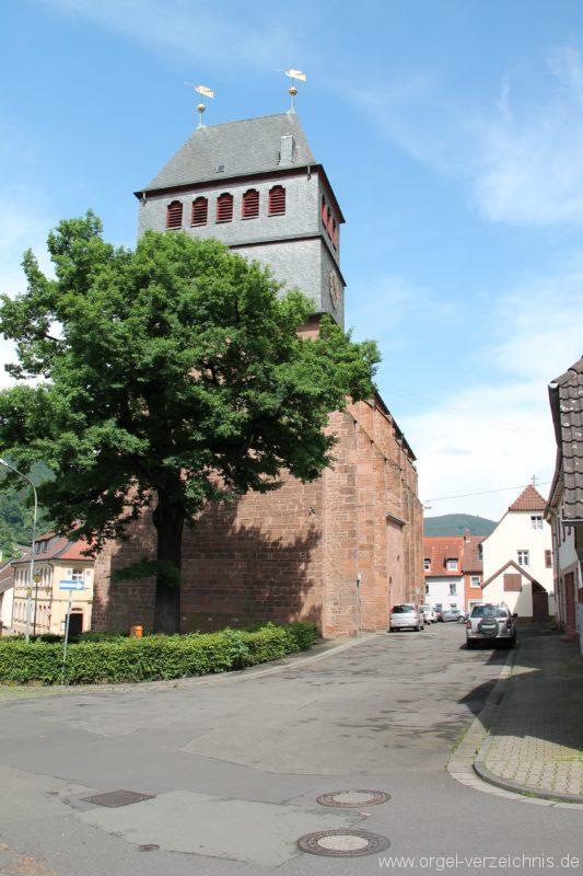 lambrecht-protestantische-kirche-aussenansicht