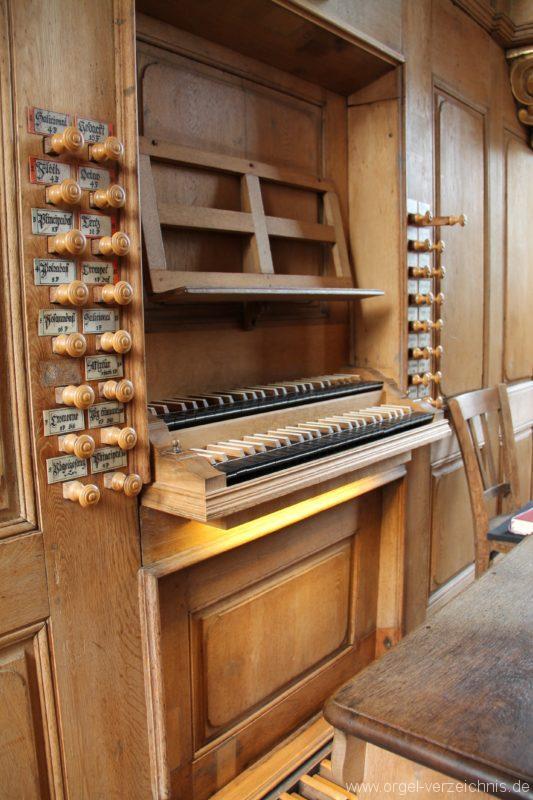 lambrecht-protestantische-kirche-spieltisch-i