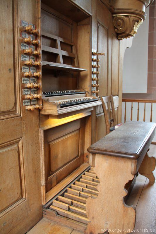 lambrecht-protestantische-kirche-spieltisch-ii