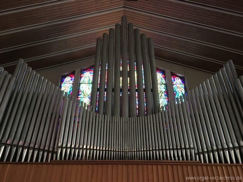 wattens-neue-pfarrkirche-mariae-empfaengnis-22-orgel
