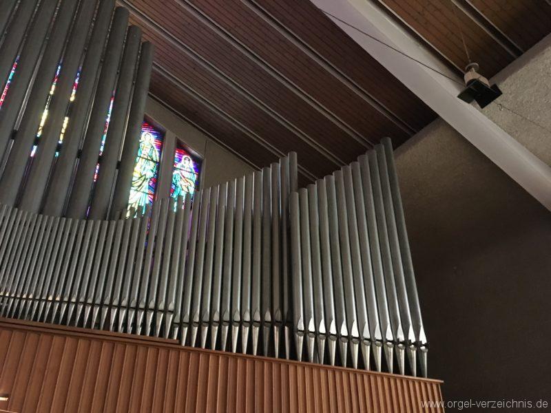 wattens-neue-pfarrkirche-mariae-empfaengnis-24-orgel