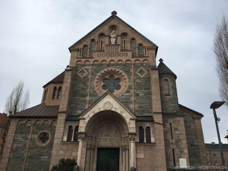 Innsbruck-Pradl A - Pfarrkirche Mariae Empfängnis (2)