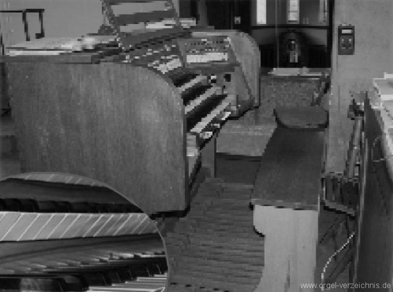 Innsbruck-Pradl A - Pfarrkirche Mariae Empfängnis - Orgel Alt (2)