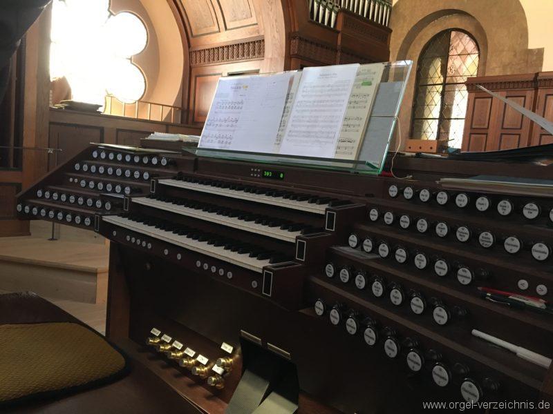 Innsbruck-Pradl A - Pfarrkirche Mariae Empfängnis - Orgel - Spieltisch (13)
