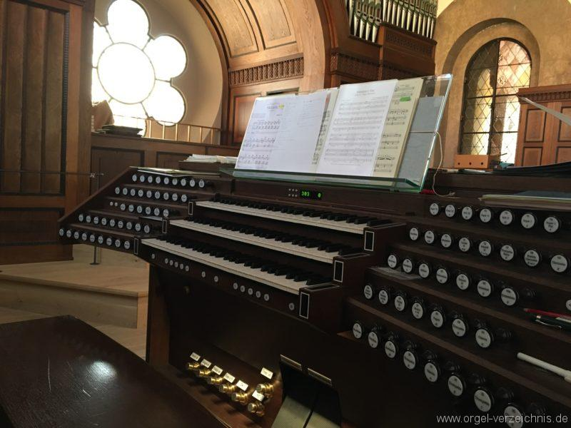 Innsbruck-Pradl A - Pfarrkirche Mariae Empfängnis - Orgel - Spieltisch (14)